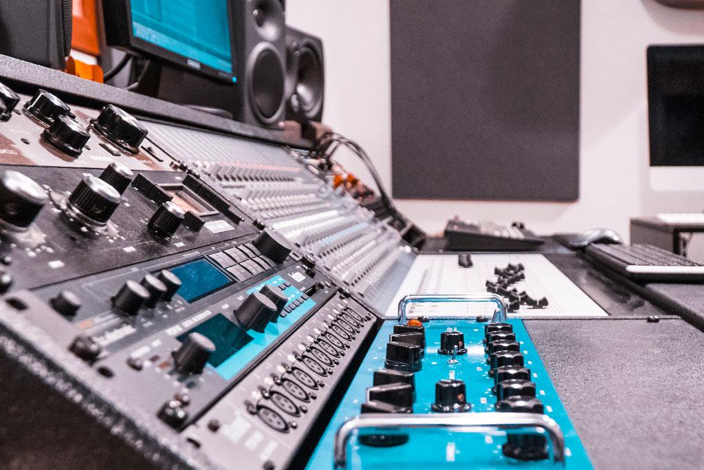 Alea Studios - Estudio de grabación en Logroño - Previos de señal