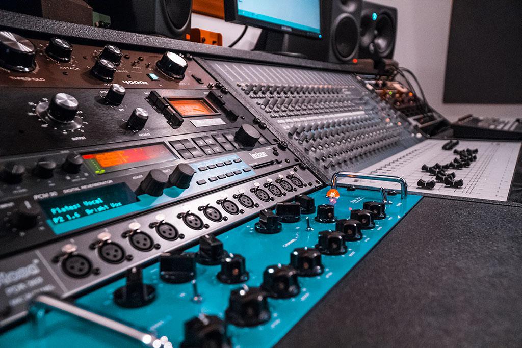Alea Studios - Estudio de grabación en Logroño - Procesadores de señal